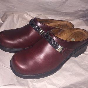 Ariat Clog Style 93263 Women 8b Burgundy Leather
